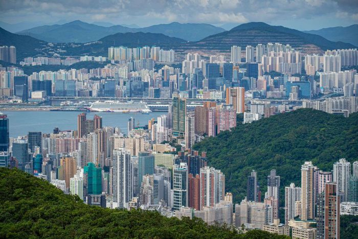Hong Kong is in the grip of a housing affordability crisis. (ABC News: Brant Cumming)